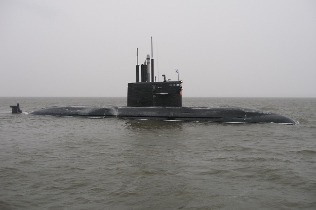 There are no plans to discontinue the construction of Project 677 Lada-class diesel-electric submarines (SSK) yet, Deputy Navy Commander-in-Chief Vice Admiral Alexander Fedotenkov told journalists on Thursday. The second and third submarines, the Kronstadt and Velikiye Luki, will be delivered later than scheduled in 2019 but the Russian Navy says the class is much quiter compared to the Project 636 Kilo-class.