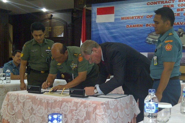 The Ministry of Defence of Indonesia and Damen Schelde Naval Shipbuilding, The Netherlands today signed a contract for the engineering, build and delivery of a SIGMA 10514 Guided Missile Frigate, PKR (Perusak Kawal Rudal). The PKR will be built for the Indonesian Navy, TNI AL, and is to be delivered in 2016.