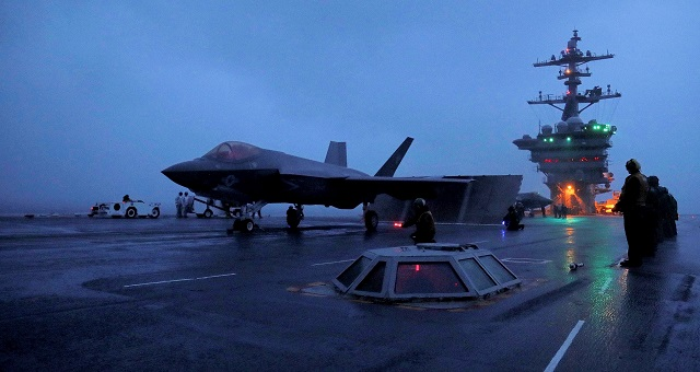 USS Abraham Lincoln CVN 72 Completes First F 35C Carrier Qualification 1