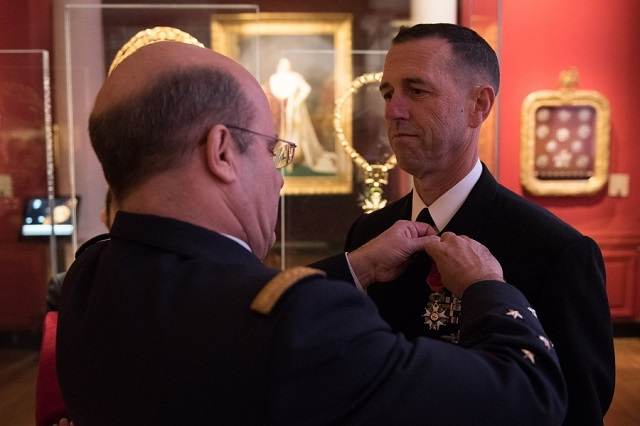 US Navy CNO Admiral Richardson and Chief of French Navy Admiral Prazuck 2