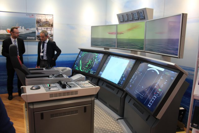 At Euronaval 2016 Alphatron Marine swhocased its one man bridge 002