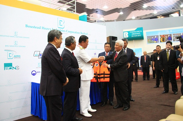 In a bid to cultivate stronger safety awareness at sea, Bousted Heavy Industries Corporation Berhad (BHIC) at LIMA 2013 today announced the company would contribute lifejackets towards a maritime community service campaign by the Malaysia Maritime Enforcement Agency (MMEA).