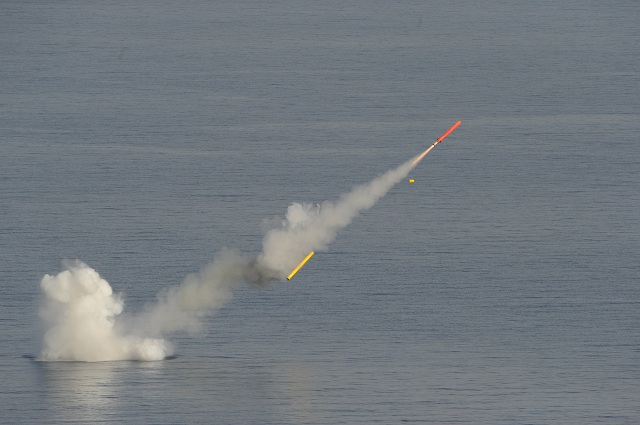 The French DGA (Direction Générale de l'Armement) has successfully carried out the first end to end firing of the MdCN (Missile de Croisière Naval or naval cruise missile) in its submarine version.