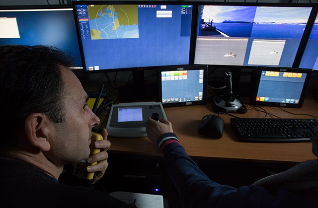 DCNS has just successfully tested, in the Toulon harbor, a real-time demonstrator for an asymmetric response to terrorist and piracy attacks. This DCNS system is the fruit of several years of research and development and integrates cutting-edge technologies: ultra-high-definition and high-sensitivity video, augmented reality, powerful algorithms for the detection of threatening behavior… The goal is to accelerate decision taking and prevent collateral damage in close-quarter defense situations.