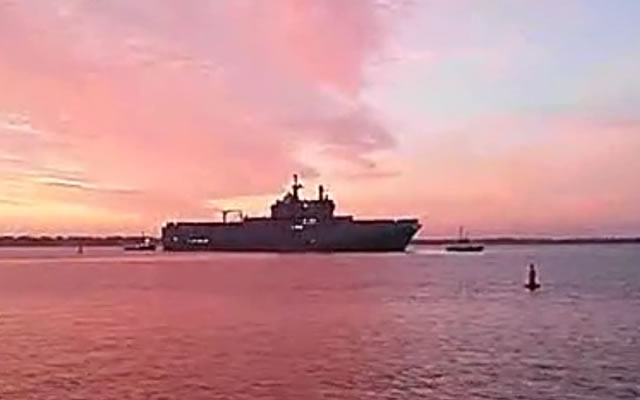 Vladivostok, the first French-built Mistral-class LHD built for Russia left STX shipyard in St Nazaire this morning to start a serie of sea trials with 200 Russian sailors on board. Under the contract, the first amphibious assault ship is to be delivered to Russia by the end of the year, while the second ship, the Sevastopol, is due to arrive next year. Earlier this month, an official statement made by the French presidency explained the delivery of Vadivostok is on hold until November.