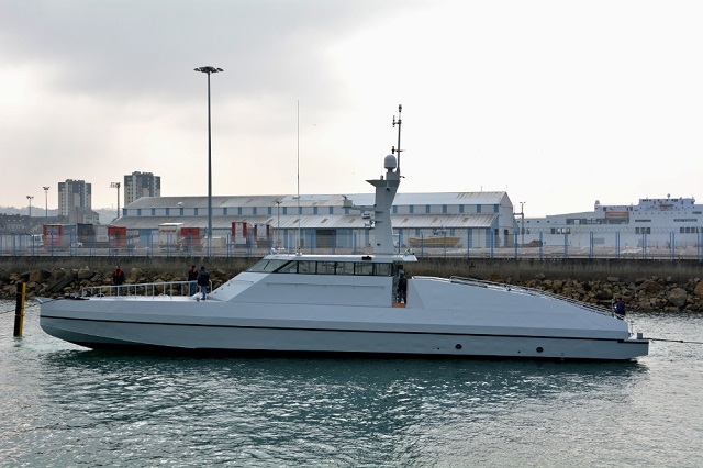 Following the launch of the first Ocean Eagle 43 Trimaran for Mozambique in January, French shipyard CMN launched the first HSI32 Interceptor for the same customer. Three OCEAN EAGLE 43 trimaran patrol vessels and three HSI32 interceptors (and several fishing vessels) that were ordered by the African nation back in September 2013. Three more HSI32 Interceptors were subsequently ordered in January.