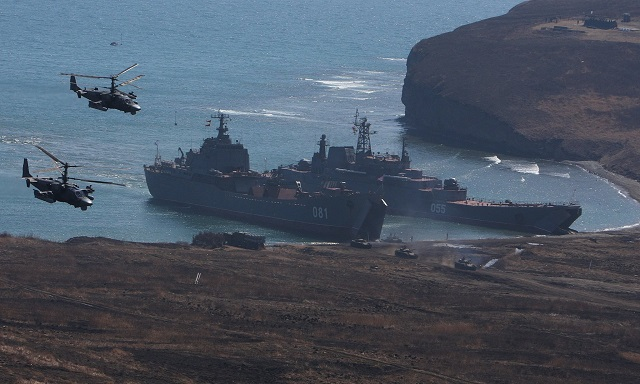 Troops with the Northern Fleet's Arctic brigade have landed from the Kondopoga large amphibious assault ship on the austere beach of Severny Island of the Novaya Zemlya archipelago, according to the fleet's press office.