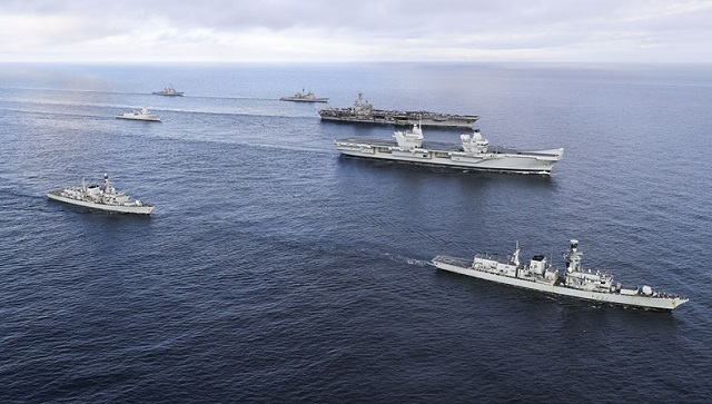 HMS Queen Elizabeth met up with US CSG 1