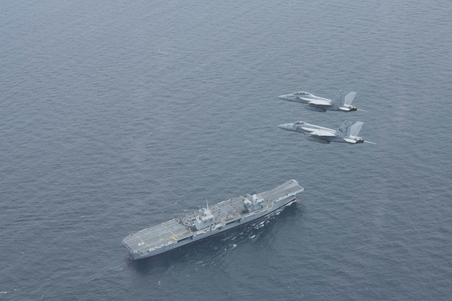 HMS Queen Elizabeth met up with US CSG 2