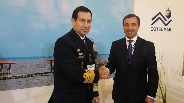Thales and Cotecmar executives signining the cooperation agreement during Expodefensa