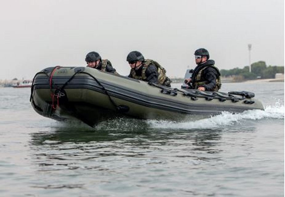 Live waterborne demonstrations on the Royal Docks at DSEI 2019 925 002