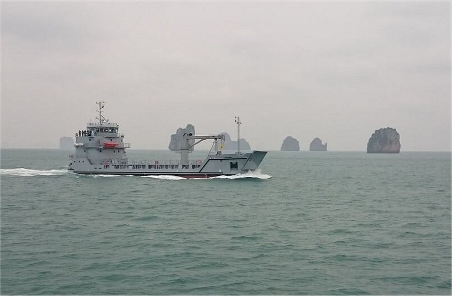 Vietnamese Navy has signed a contract to build a Roro 5612 multipurpose amphibious transport ship designed by Damen 925 001