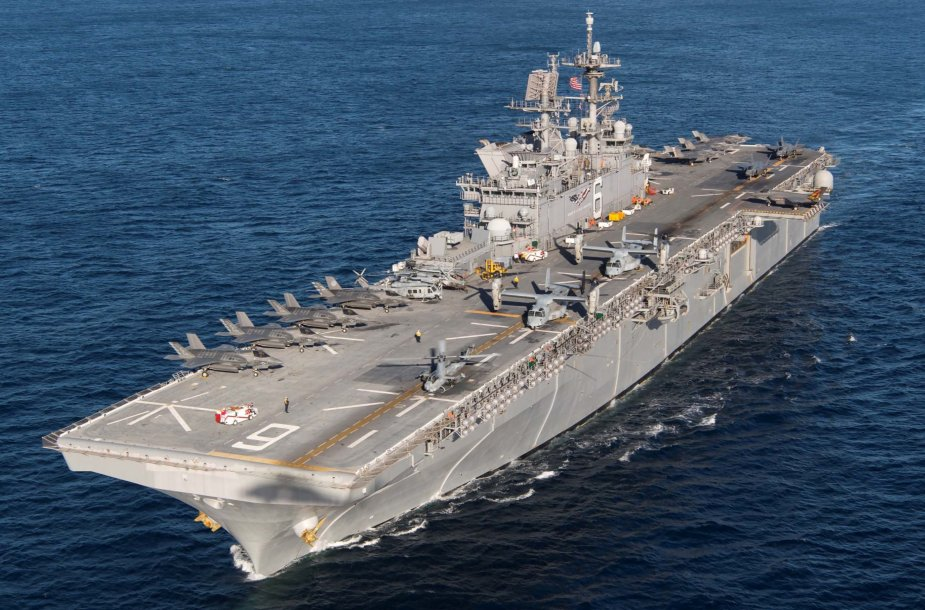 U.S. Navy Amphibious Assault Ship Set Sail with 13 Stealth Fighters 925 001